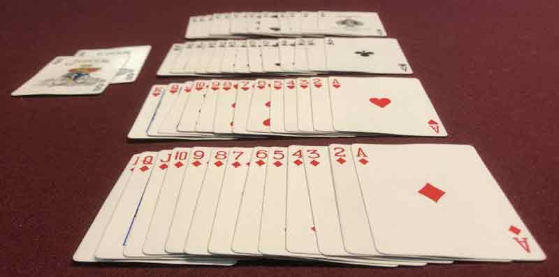 El resultado son 13 cartas de cada palo