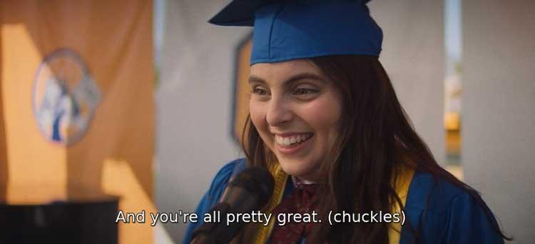 """En """"Booksmart"""" (2019), los subtítulos transmiten diálogos y sonidos de personajes no hablados, como una risa."""